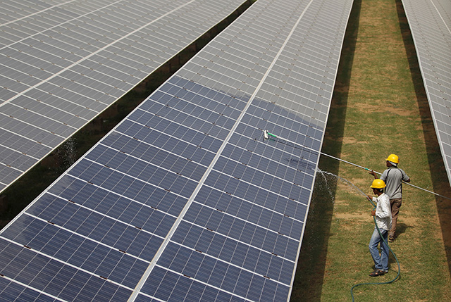 Shapoorji-Pallonji-Group-in-talks-to-sell-off-400-MWp-Indian-Solar-portfolio