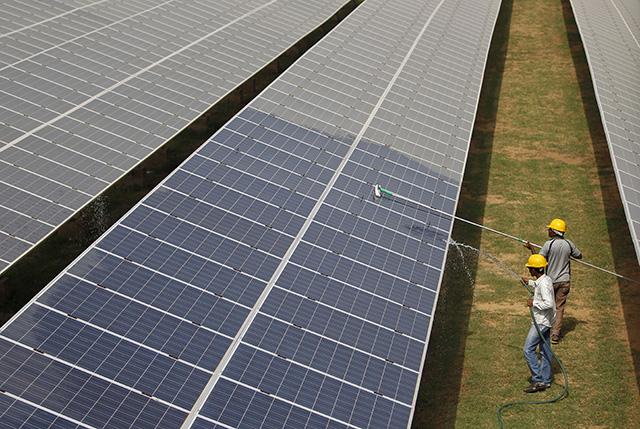 Shapoorji Pallonji Group in talks to sell off 400 MWp Indian Solar portfolio